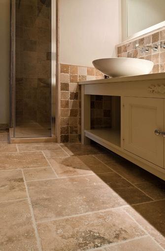 Fußboden aus Pietra di Rapolano, Farbwahl Pdr 006 Becagli Chiaro