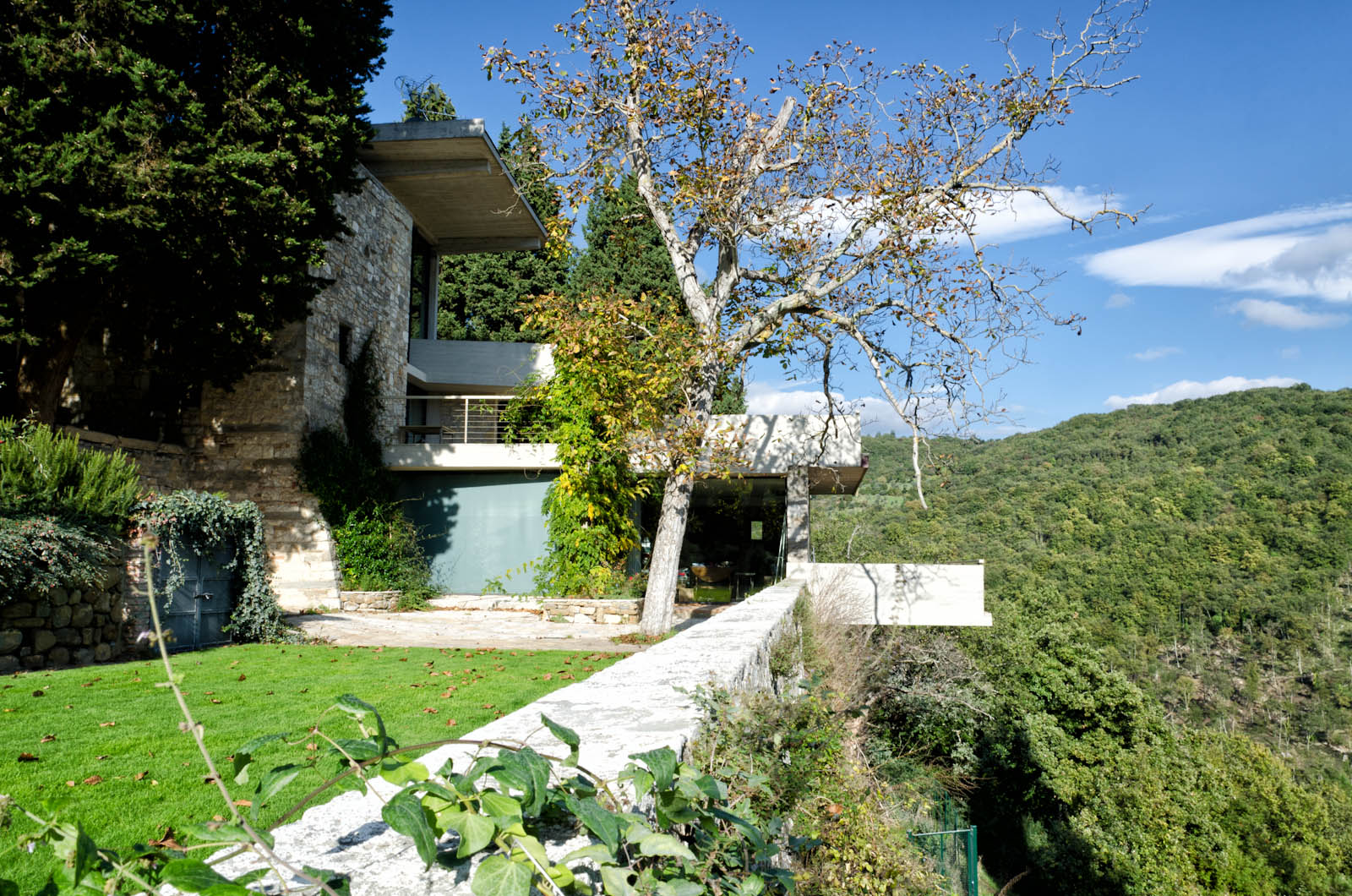 villa waddel in fiesole by architect and designer Thedore waddell near Florence