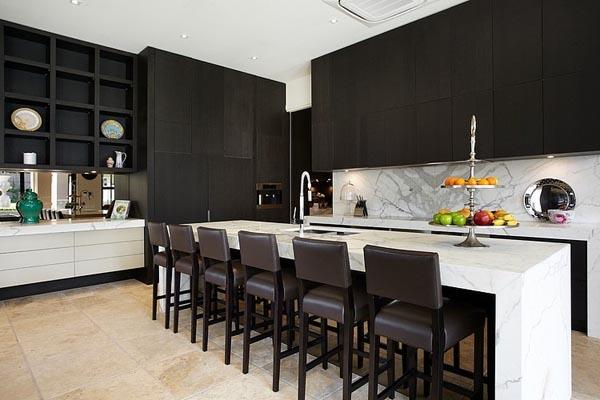 cucina con marmo calacatta