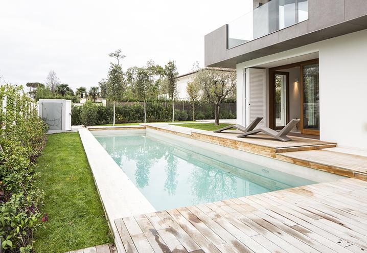 Villa mit Pool, Outdoor-Stein