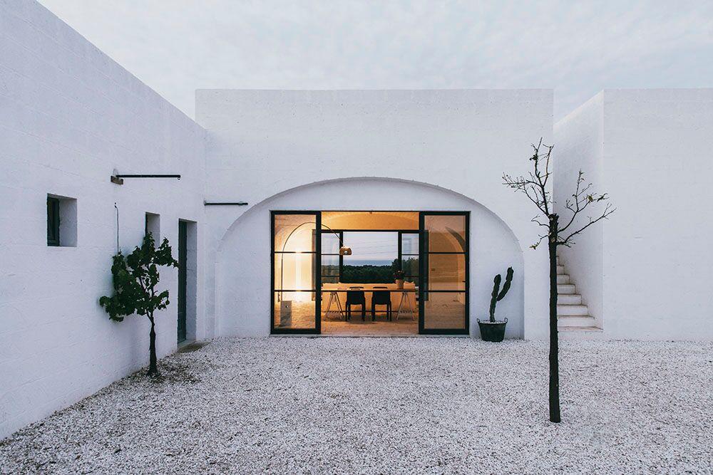 Modernes Bauernhaus lokale materialien für ein modernes bauernhaus in ostuni toskana