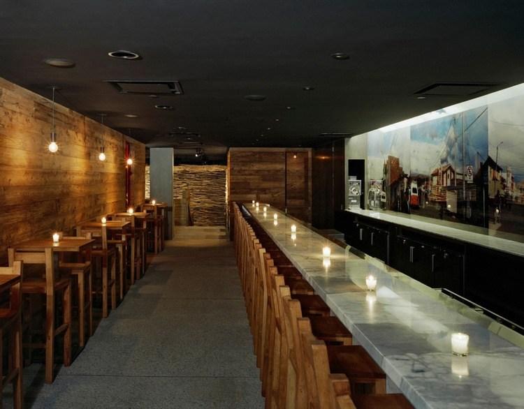 weißer Marmorboden im Restaurant in New York