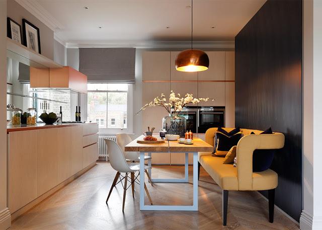 London Apartment mit Kupfer und Marmor Dekorationen von MWAI Studio