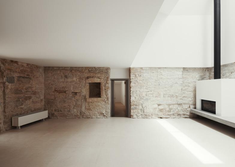 Haus-in-Serra-de-Janeanes-by-Joao-Branco