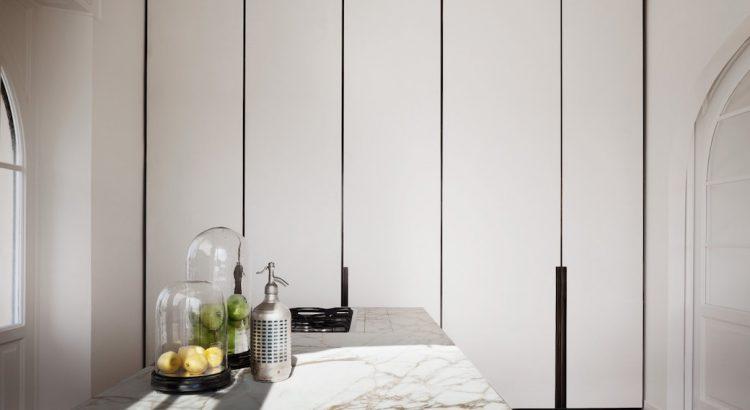 Küche mit Marmorplatte